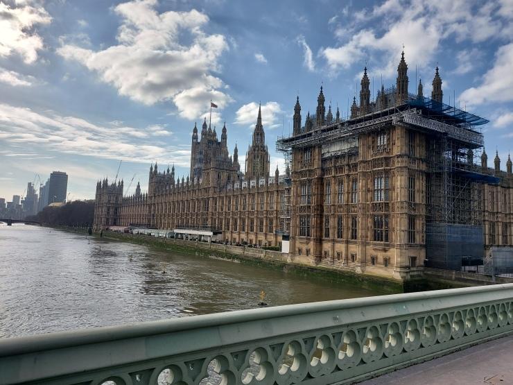 Thames4